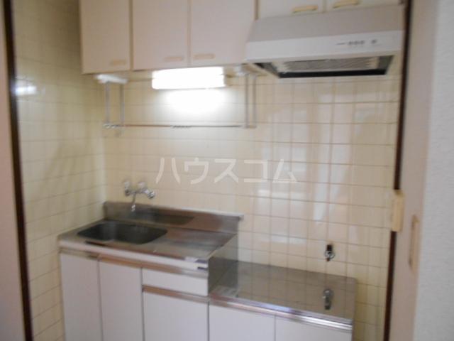 三澤ハイツ 202号室のキッチン