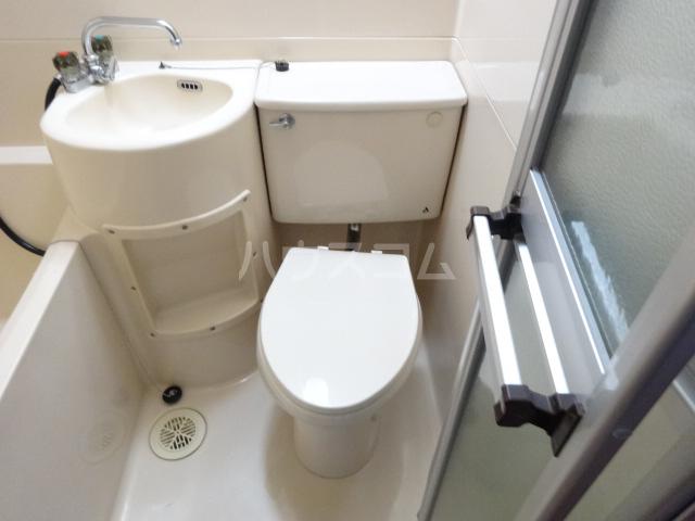 コーポ市瀬NO1 205号室のトイレ