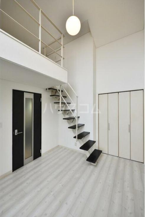 ラルゴ白糸台 209号室の居室