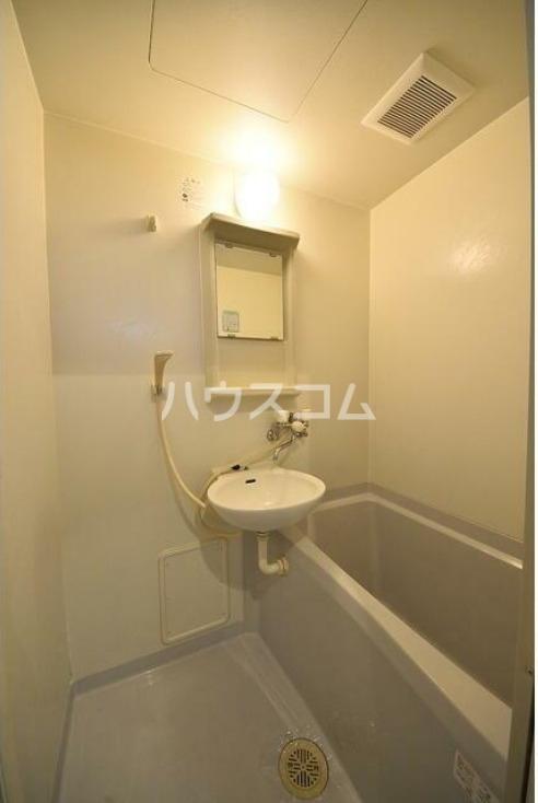 ラルゴ白糸台 209号室の洗面所
