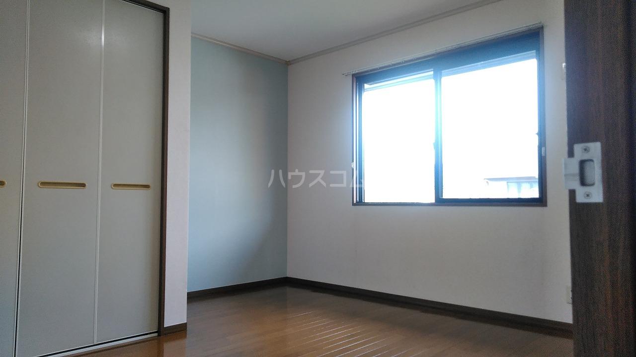 プリムラコート 205号室の居室