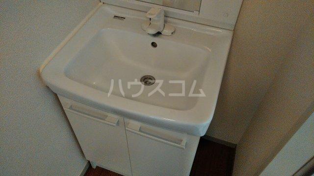 プリムラコート 205号室の洗面所