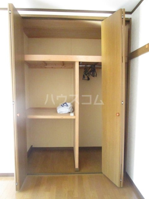 ハイツONO 202号室の収納