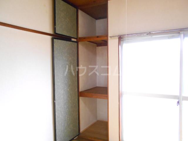 カーサ三岡 206号室の収納