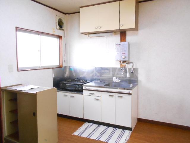 カーサ三岡 206号室のキッチン