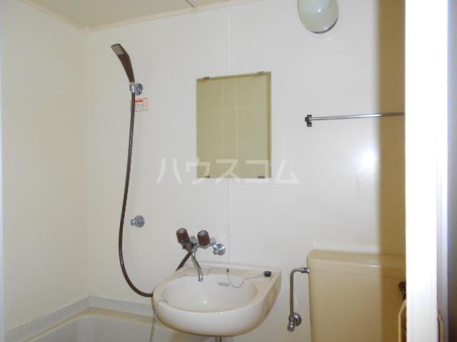 グリーンユースコーポ 105号室の洗面所
