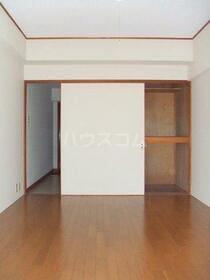 プラムハイツ 205号室の収納