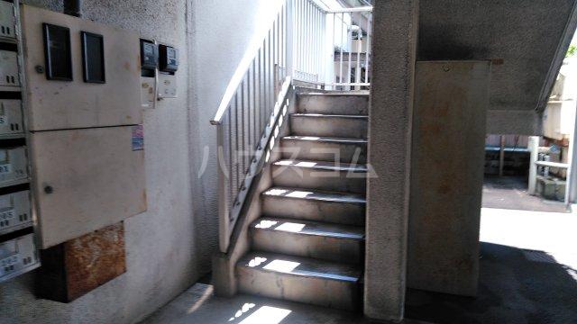 プラムハイツ 205号室のエントランス