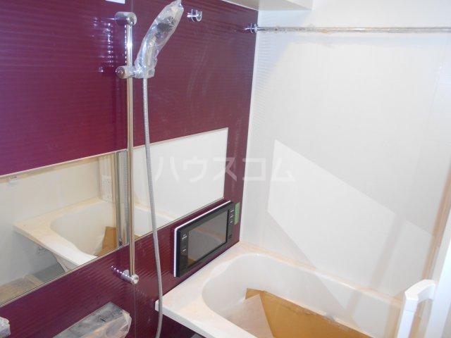 RELUXIA府中 301号室の風呂