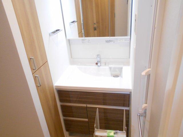 RELUXIA府中 601号室の洗面所