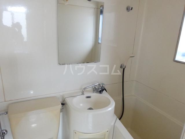 コーポ藤 201号室の洗面所
