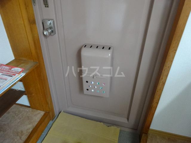 コーポ藤 201号室の玄関