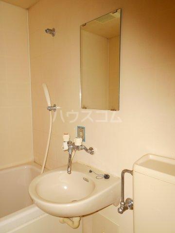 コーポ萩 201号室の洗面所