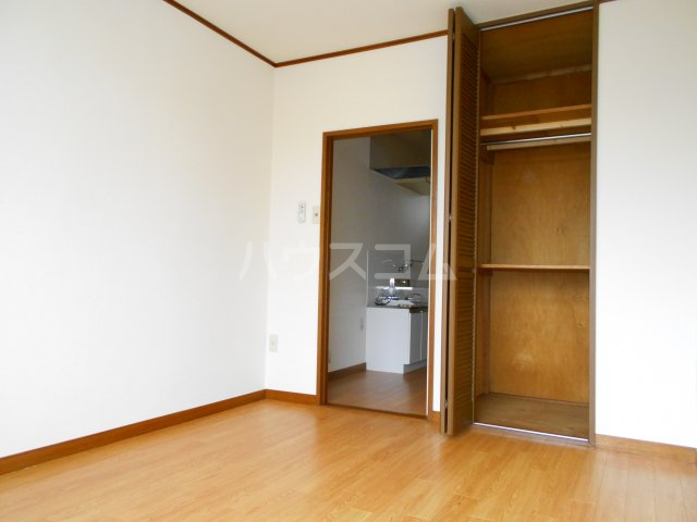 コーポ萩 201号室の居室