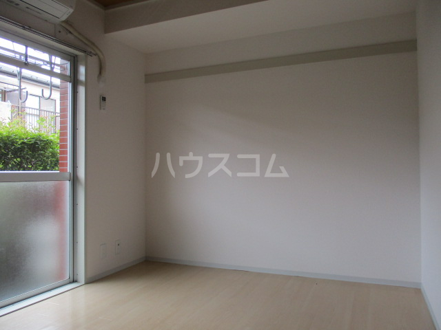ハイム白糸 102号室の居室