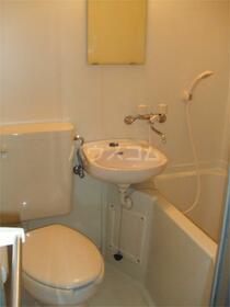 ニューセピアコート 101号室の洗面所