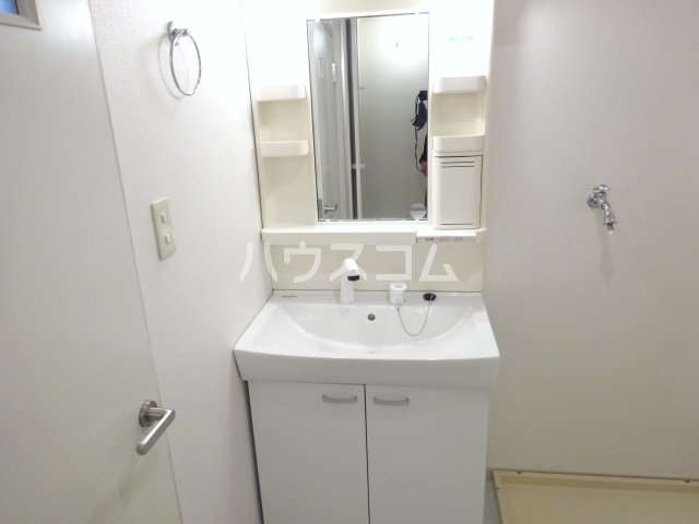 トゥイナーハウス 303号室の洗面所