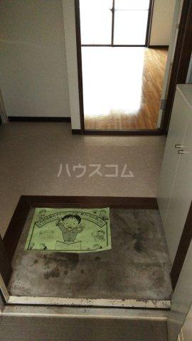 こん・あもーれ 204号室の玄関