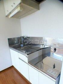 ハイツ和幸 303号室のキッチン