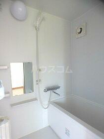 ハイツ和幸 303号室の風呂