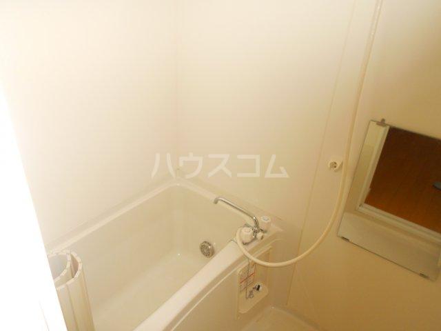 COURT AZALEA 203号室の風呂
