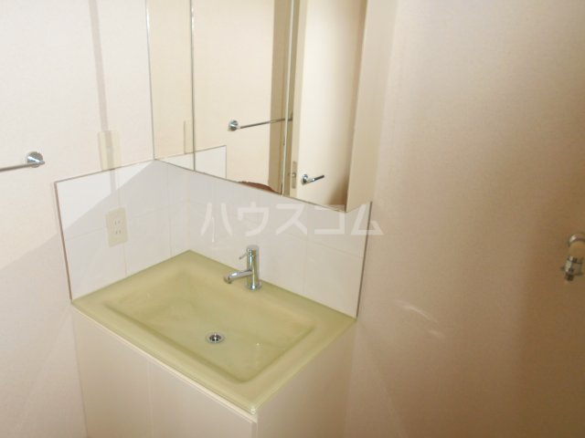 COURT AZALEA 203号室の洗面所