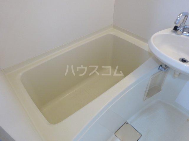 平成ハイツA棟 203号室の風呂