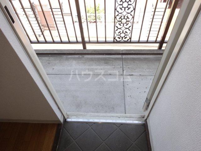 平成ハイツA棟 203号室の玄関