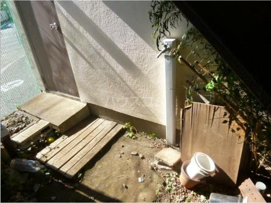 第二天竜荘 107号室の庭