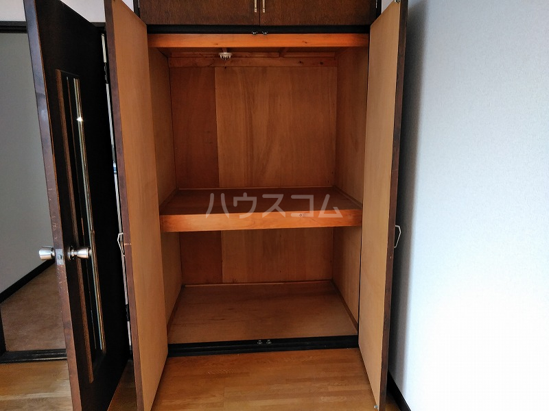 ハイム藤 206号室の収納