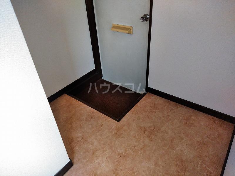 ハイム藤 206号室の玄関