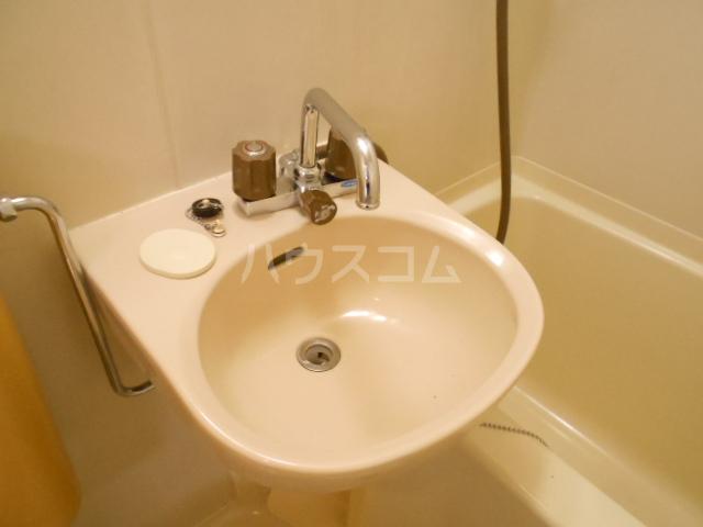 川口コーポ 302号室の洗面所