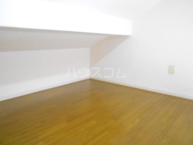 ハイツアロー 203号室の居室