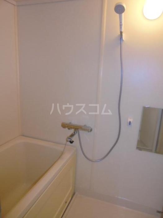ジュネス府中 203号室の風呂