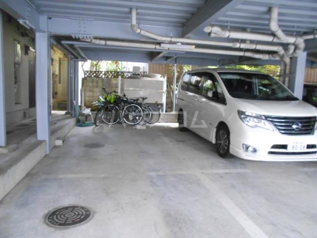 コーポ市瀬NO2 202号室の駐車場