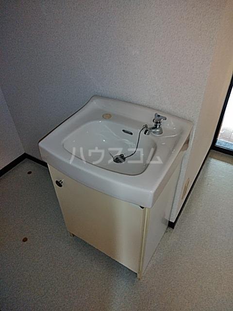 コーポウィスタリア 202号室の洗面所