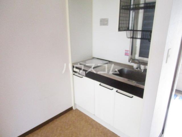 ひかりコーポ 102号室のキッチン