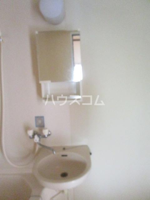 ひかりコーポ 102号室の洗面所