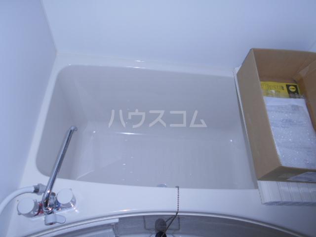 メモリエ府中 201号室の風呂