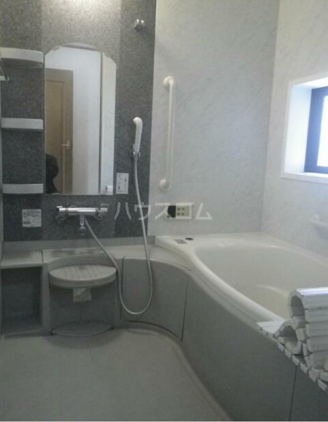 メルベーユ 1号室の風呂