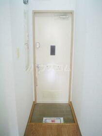 グリーンヴィラ府中 108号室の玄関