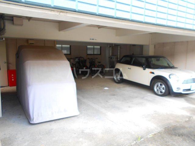 スマイルハイツ 301号室の駐車場