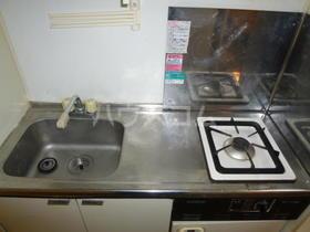 西坂ハウス 102号室のキッチン