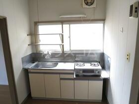 東栄荘 201号室のキッチン
