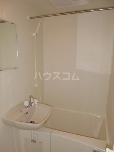 レオパレスK&H 203号室の洗面所