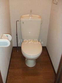 クレストコート 105号室のトイレ