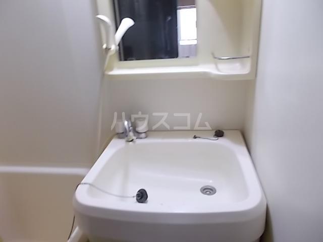 ラ・パルフェ・ド立川 106号室の洗面所
