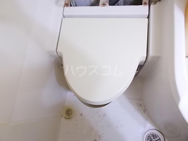 ラ・パルフェ・ド立川 106号室のトイレ