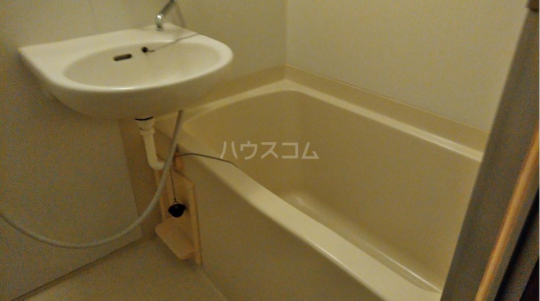 玉川屋ビル 301号室の風呂