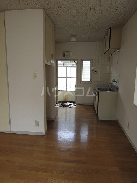ハイツカトレア 205号室の居室